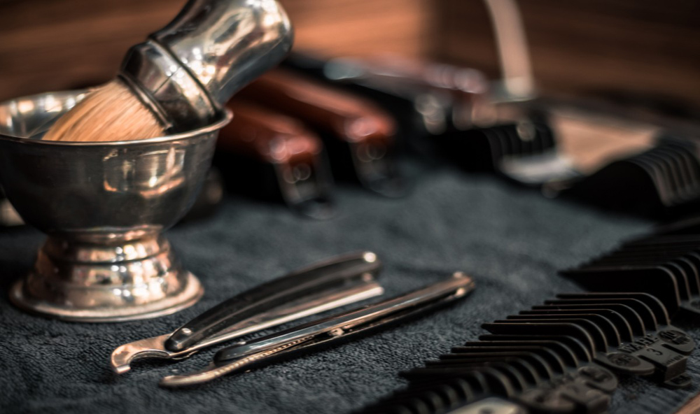 Conventional Razors vs Electrical Shavers